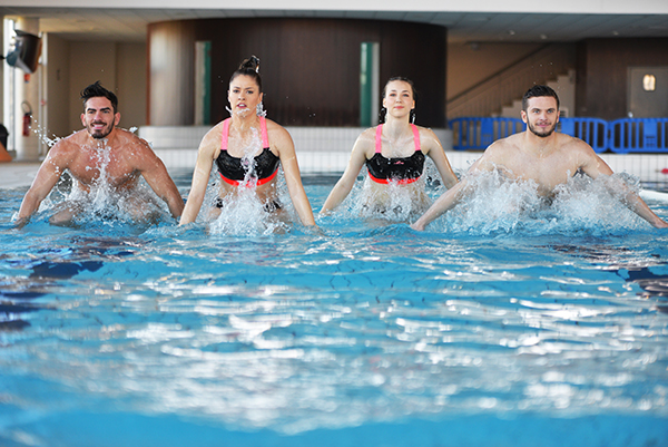 aquacircuit moving mours